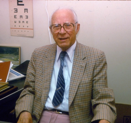Dr Arthur B Davenport