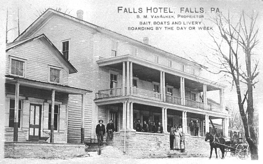 Falls Hotel (Wayne Gozikowski)