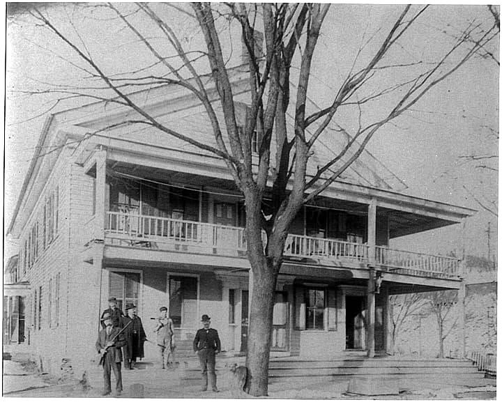 Niver House in Nicholson, 1910 (Greg Palaskas)
