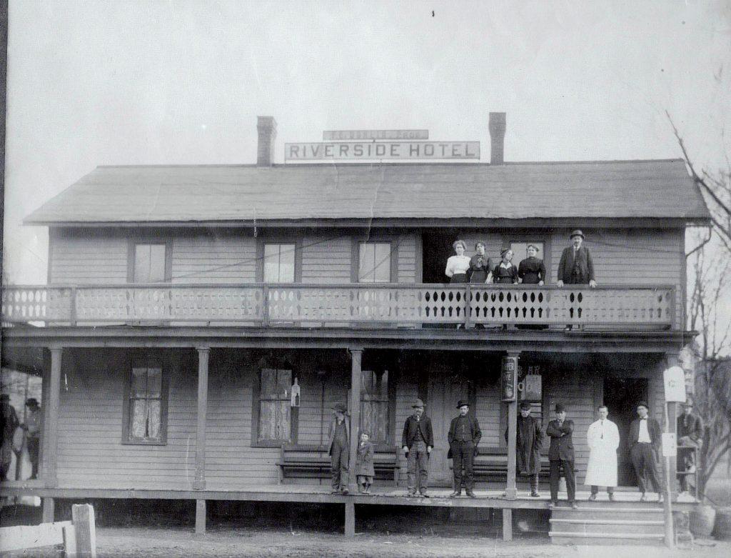 Riverside Hotel, Meshoppen (Marty McGavin)